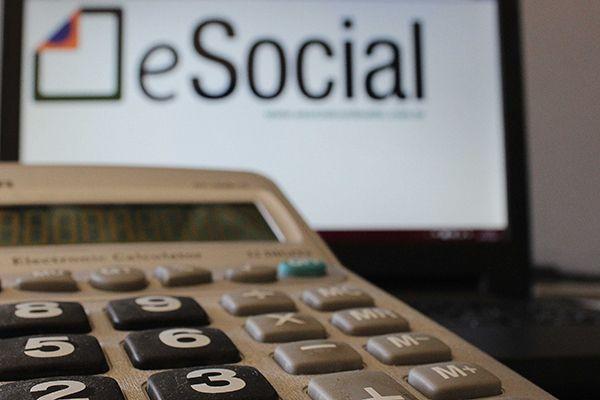 Encargos sobre folha de pagamento e social