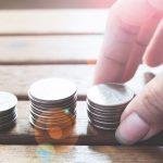 varia_moedas-na_mesa